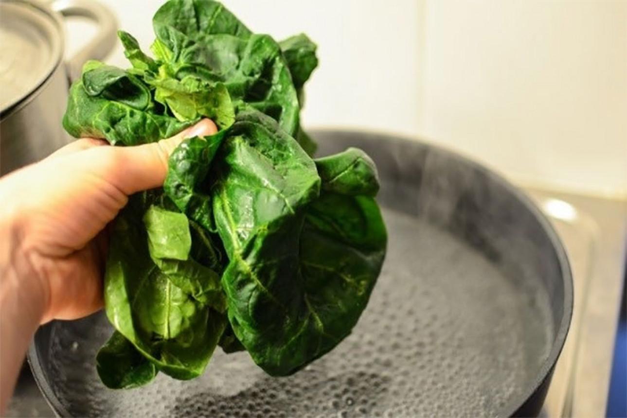 Những mẹo nhỏ giúp luộc rau xanh và ngon không phải ai cũng biết